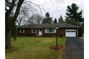 770 Valley Crest Dr, New Franklin, OH 44319