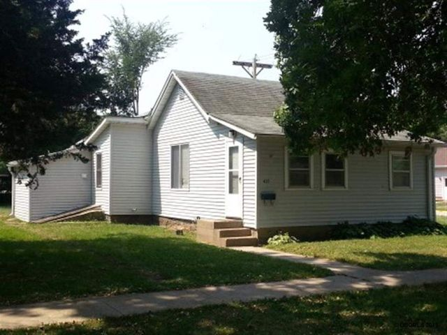 435 N Chestnut St, Monticello, IA