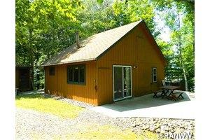 4064 N Musky Point Ln, Stone Lake, WI 54876