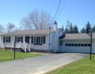136 Camelot Dr, Horseheads, NY 14845