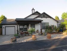 4 Redwood Dr, Yountville, CA 94599