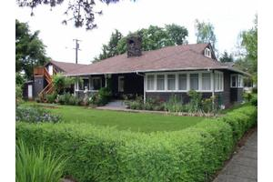 295 E Arlington St, Gladstone, OR 97027