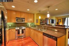 1511 Jefferson St Unit 208, Oakland, CA 94612