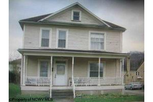 434 Center Ave, Weston, WV 26452