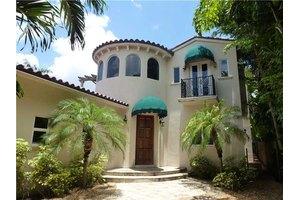 3745 Solana Rd, Coconut Grove, FL 33133