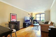 200 E 24th St Apt 610, New York City, NY 10010