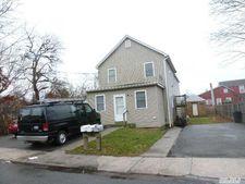 40 Redington St, Bay Shore, NY 11706