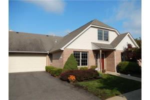 209 Woodcrest Dr, North Fayette, PA 15108