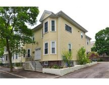 218 Freeman St Unit 1, Brookline, MA 02446