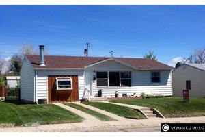 1312 Odell Ave, Thermopolis, WY 82443
