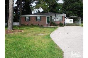119 Underwood St, Clinton, NC 28328