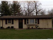 2012 Hoeft Dr, Commerce Township, MI 48390