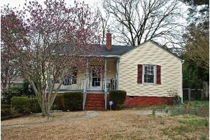 618 Townsend St, Fayetteville, NC 28303