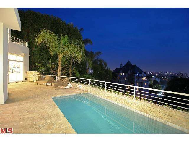 8261 Woodshill Trl, Los Angeles, CA 90069