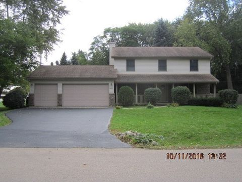 4603 Strong Rd, Crystal Lake, IL 60014