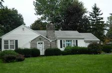 490 Meadowbrook Dr, Lewiston, NY 14092