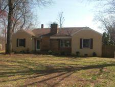 6713 Arvin Ave, Jamestown, NC 27282