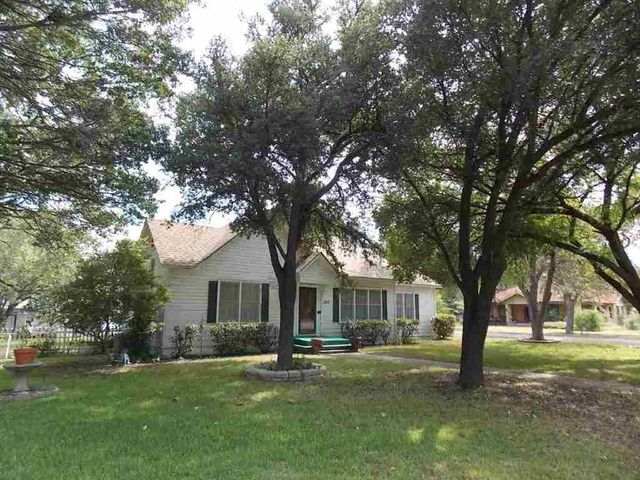 1016 w 8th st mcgregor tx 76657 home for sale and real estate listing