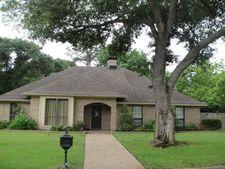 105 Willowbrook Dr, Athens, TX 75751