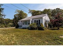 140 Middle Rd, Acushnet, MA 02743