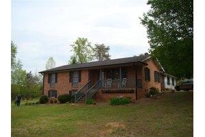 1429 Lenhardt Rd, Easley, SC 29640