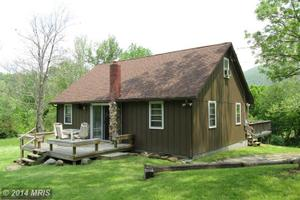 576 Lightsville Rd, Great Cacapon, WV 25422