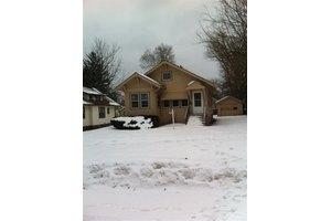 315 Alliance Ave, Rockford, IL 61101