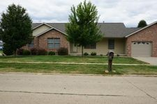 3001 Twin Lakes Dr, Springfield, IL 62707