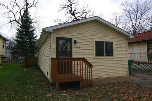 203 Ferndale Dr Round Lake Beach, IL 60073