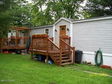 1011 Towpath Rd, White Mills, PA 18431