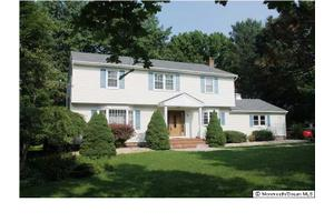 4 Coventry Dr, Freehold, NJ 07728