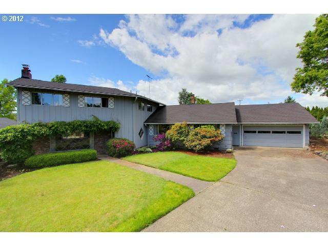1600 Lynwood Dr, Forest Grove, OR 97116