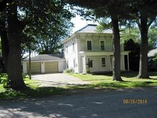 504 S 3rd Ave, Forreston, IL 61030