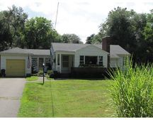 369 Central St, Holliston, MA 01746