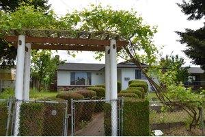 1410 S 40th St, Tacoma, WA 98418