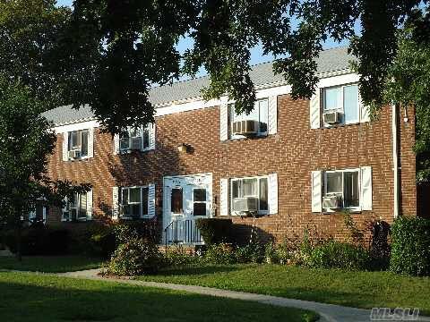 224-27 Hillside Ave Bellerose, NY 11426