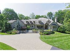 7887 Spring Mill Rd, Indianapolis, IN 46260