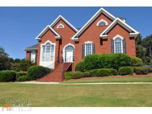 18 Saint Ives Court, Winder, GA.