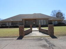 798 Brown Dr, Wake Village, TX 75501