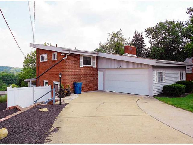 203 fieldstone dr shaler township pa 15116 home for sale and real estate listing