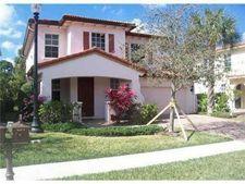 461 Pumpkin Dr, Palm Beach Gardens, FL 33410