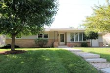 1515 N 119th St, Wauwatosa, WI 53226