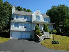 202 Whitewood Dr, Rocky Hill, CT 06067