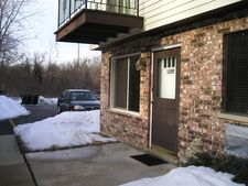 125 Willows Edge Ct Apt F, Willow Springs, IL 60480