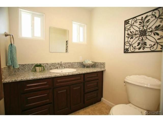 260 e hullett st long beach ca 90805 for Kitchen cabinets 90808