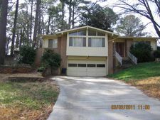 3510 Creekview Cir, Stone Mountain, GA 30083