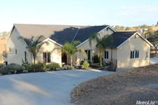 9931 Hernandez Dr, La Grange, CA 95329