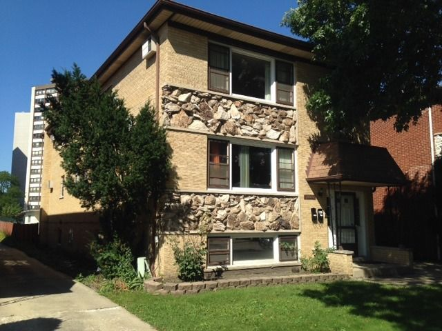 8628 W Catherine Ave Chicago, IL 60656