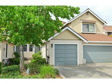 17125 Creekside Cir, Morgan Hill, CA 95037