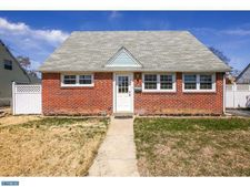 2719 Quaint St, Secane, PA 19018